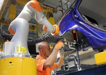 Nelle aziende crescono i «co-bot»: come (e dove) sono i robot che lavorano con l'uomo