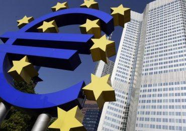 La Bce «cancella» l'estensione del QE e Draghi critica i dazi di Trump